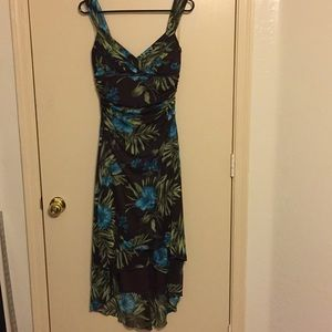 Size M Ruby Rox brown floral dress